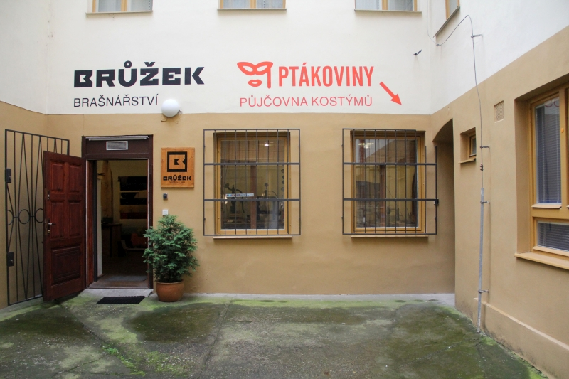 http://www.halloween-store.cz/img/prod/florenc3.jpg
